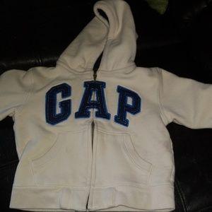 GAP 2T sweatshirt